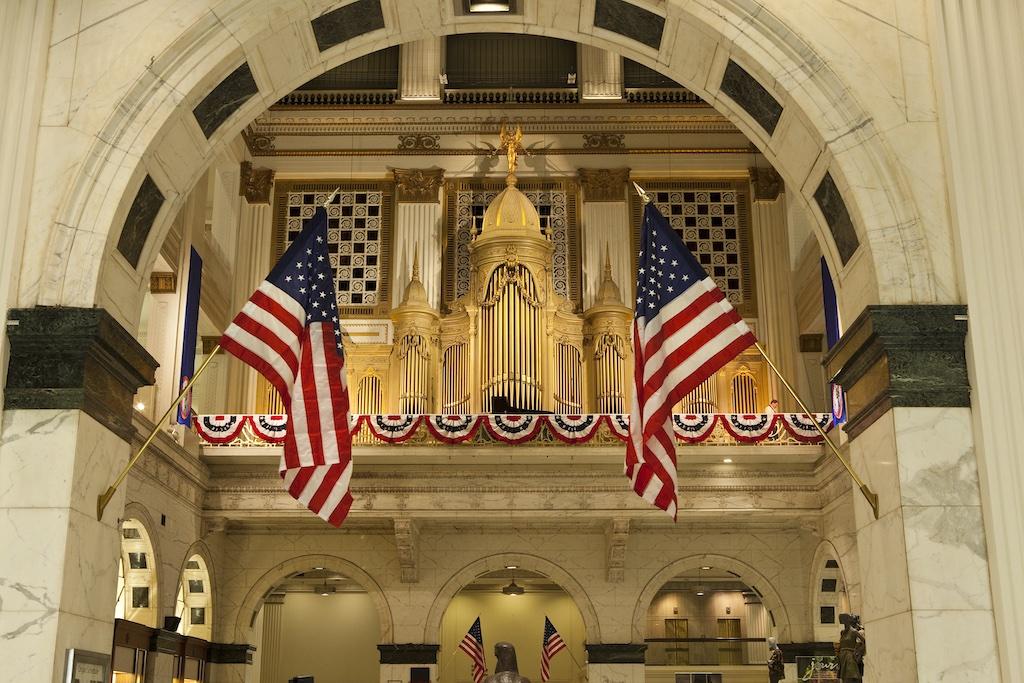 The Wanamaker Organ at Macy's 110th Anniversary